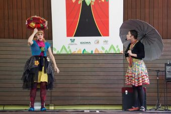 Clowns de Shakeapeare_As cacadoras de historia